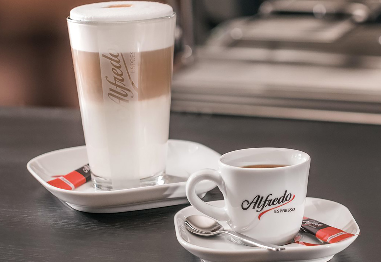 alfredo caffe macchiato